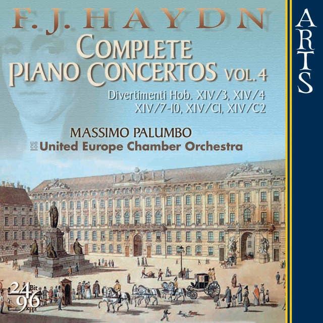UECO - United Chamber Orchestra, Massimo Palumbo, Suela Mullaj & Massimo Palumbo image