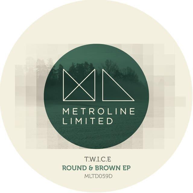 T.W.I.C.E image