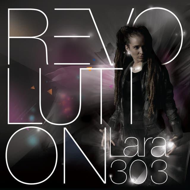 Lara 303
