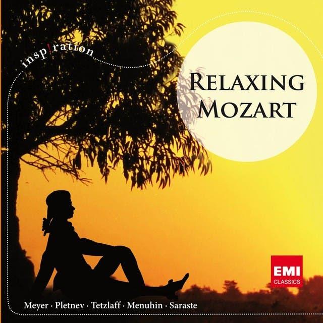 Relaxing Mozart - International Version